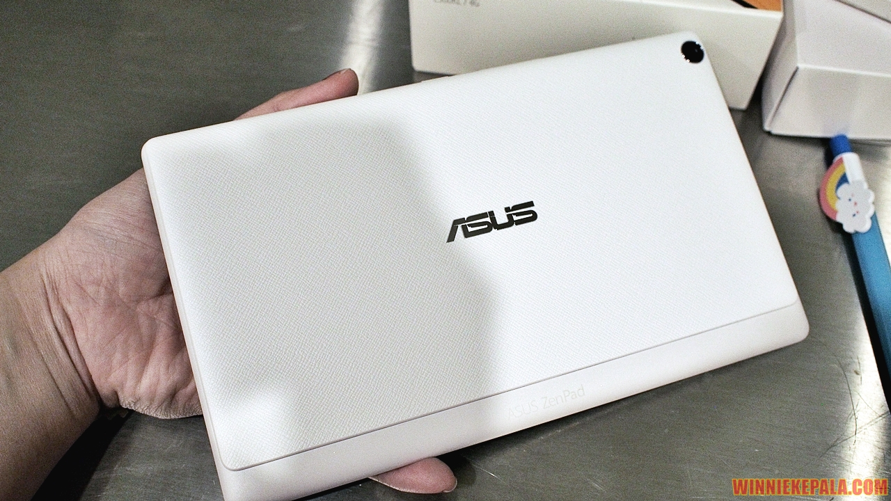 Asus Zenpad 8 - Textured removable backplate